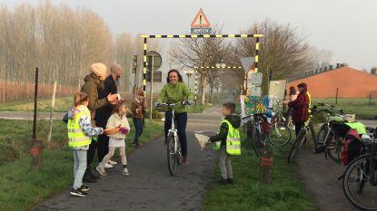 Met de fiets naar school of werk? Dat is vandaag een applausje waard