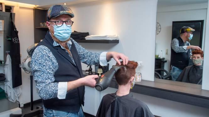 """Net nu hij weer open mag, stopt kapper Wim De Coene na 29 jaar: """"Door corona maar ook om meer tijd te  maken voor partner en kinderen"""""""