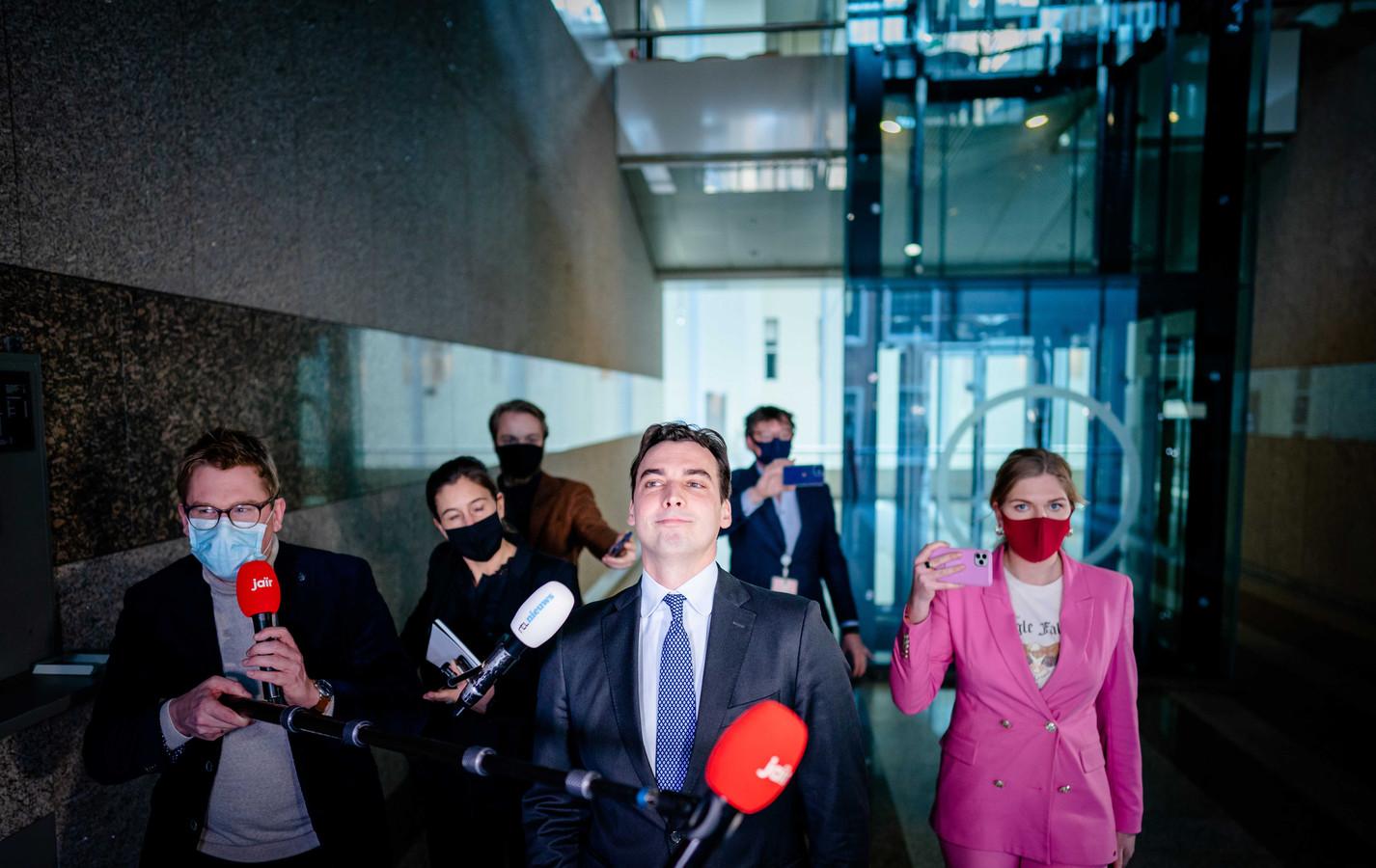 Thierry Baudet (FvD) reageert op de beschuldiging van het versturen van racistische whatsappjes, tijdens het wekelijkse vragenuur in de Tweede Kamer.