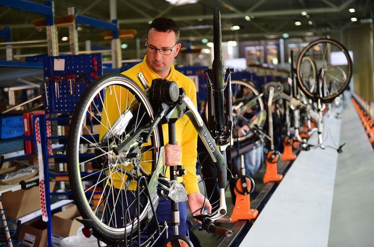 De fabriek van Gazelle in Dieren. Beeld AFP