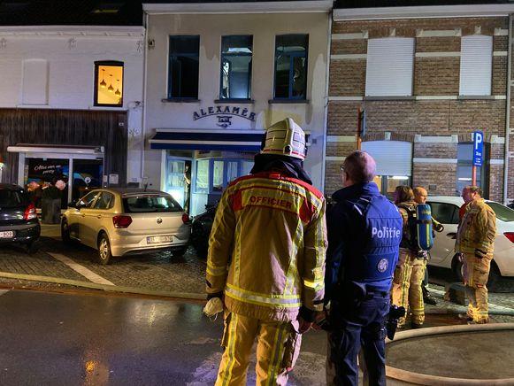 De brandweer bij chocoladewinkel Alexamer in de Rijselstraat.
