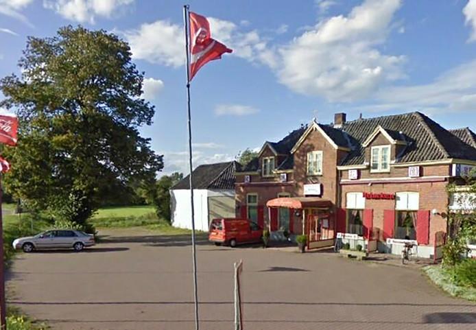 Chinees restaurant De Rozentuin in Epse wordt verkocht. Onduidelijk is nog wat voor horeca er in de vernieuwde zaak komt.