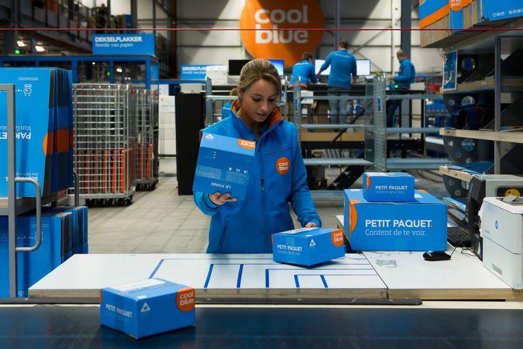 Online bestellen betekent ook: massa's kartonnen dozen in alle mogelijke formaten. Beeld BELGA