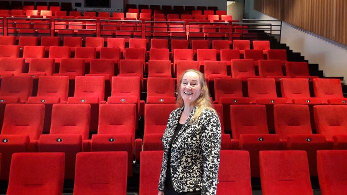Algemeen manager Sylvia Rutten in de nieuwe podiumzaal van Schijndel in 't Spectrum.
