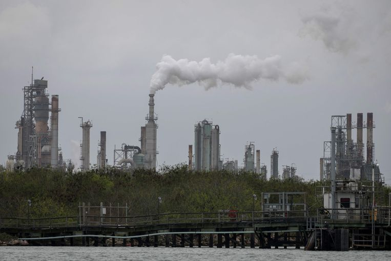 Een olieraffinaderij in Texas. Beeld AFP
