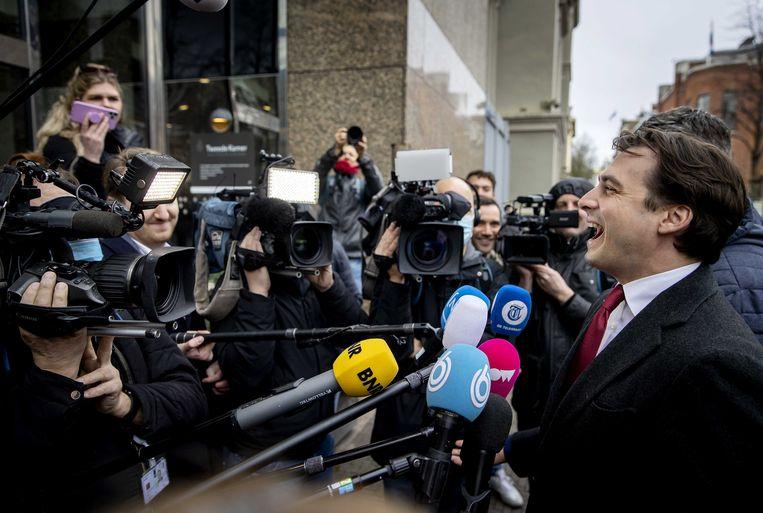 Partijleider Thierry Baudet van Forum voor Democratie (FVD) op het Binnenhof, de dag na de Tweede Kamerverkiezingen.  Beeld ANP