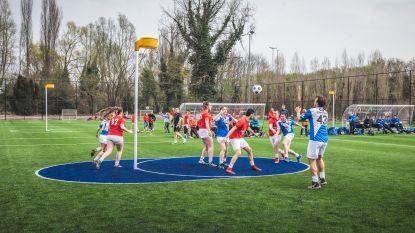 Eerste korfbalveld met kunstgras is ook voetbalveld