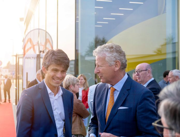 Burgemeester Pieter De Crem mocht minister Benjanim Dalle ontvangen.