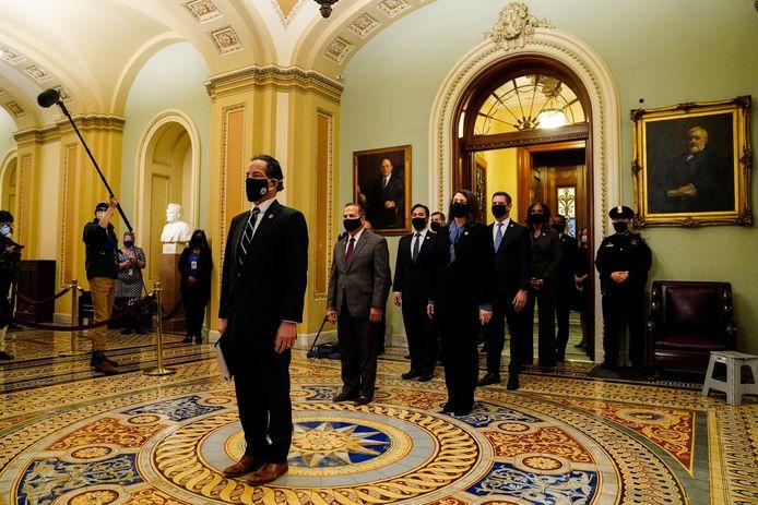 De impeachment-managers van het Huis van Afgevaardigden, met leidende aanklager Jamie Raskin vooraan.
