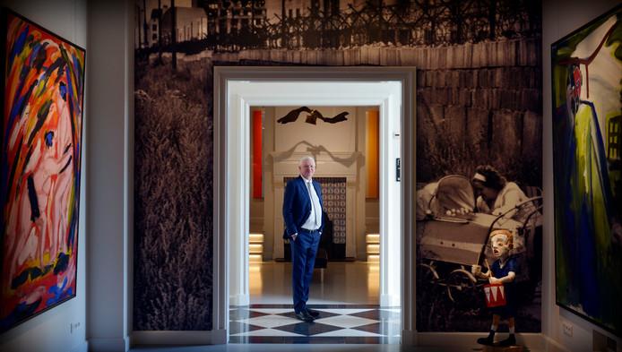 Geert Steinmeijer in zijn nieuwe museum No Hero in het oude rentmeestershuis van Twickel