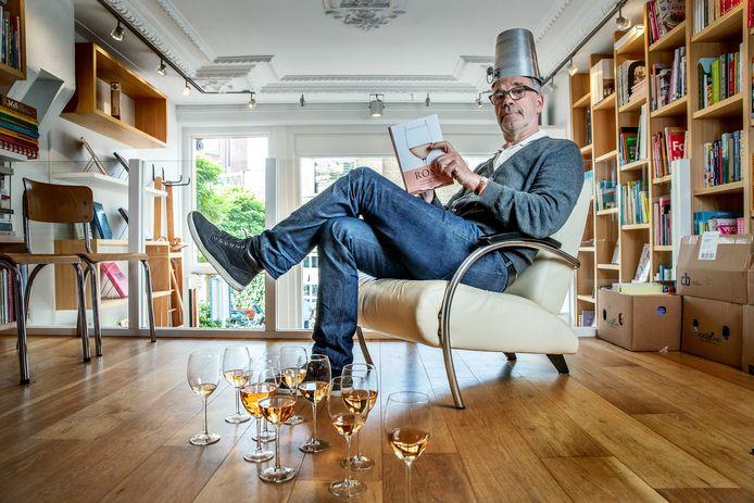 Harold Hamersma (62). Wandelend vat vol wijnkennis, onder meer opgetekend in De Grote Hamersma.