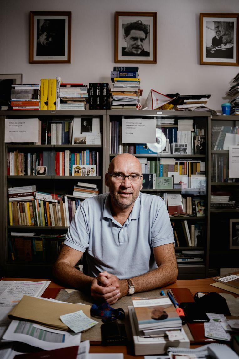 'Als literaire auteurs zoals Kristien Hemmerechts correct taalgebruik al niet meer zo belangrijk vinden, waarom zouden jongeren dan nog de taal goed bestuderen?'  Beeld Wouter Van Vooren