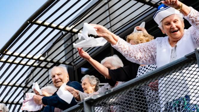 """WZC Ter Biest viert Kwartier Plezier met JOE: """"Het duurde even voor de bewoners de verrassing doorhadden!"""""""