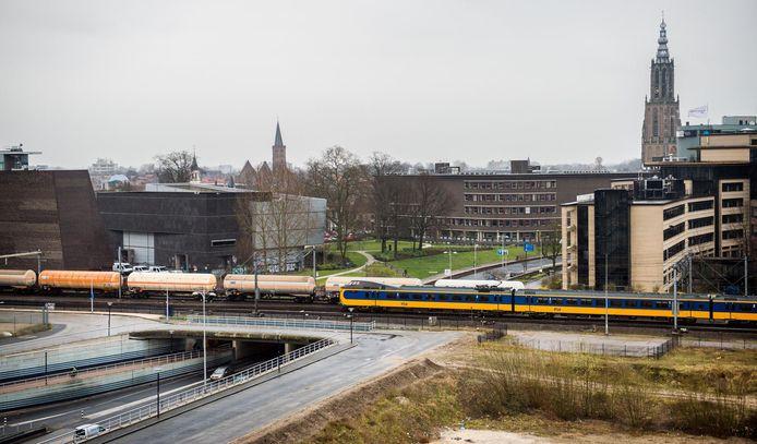 Bewoners vrezen een enorme toename van het aantal goederentreinen in Amersfoort.