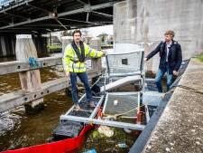 Afvalrad gaat plasticsoep in de Gouwe te lijf: 'De kracht van dit systeem zit in de eenvoud'