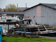 Drie gewonden door explosie en brand in jachthaven Friese dorp Burgum