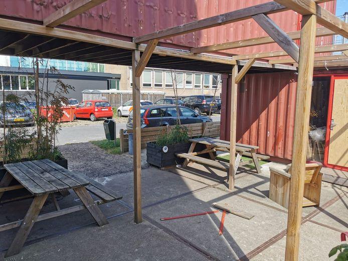 Het houdt maar niet op met de vernielingen bij de containers van The Cee Spot op Roombeek. Er is weer aangifte gedaan.