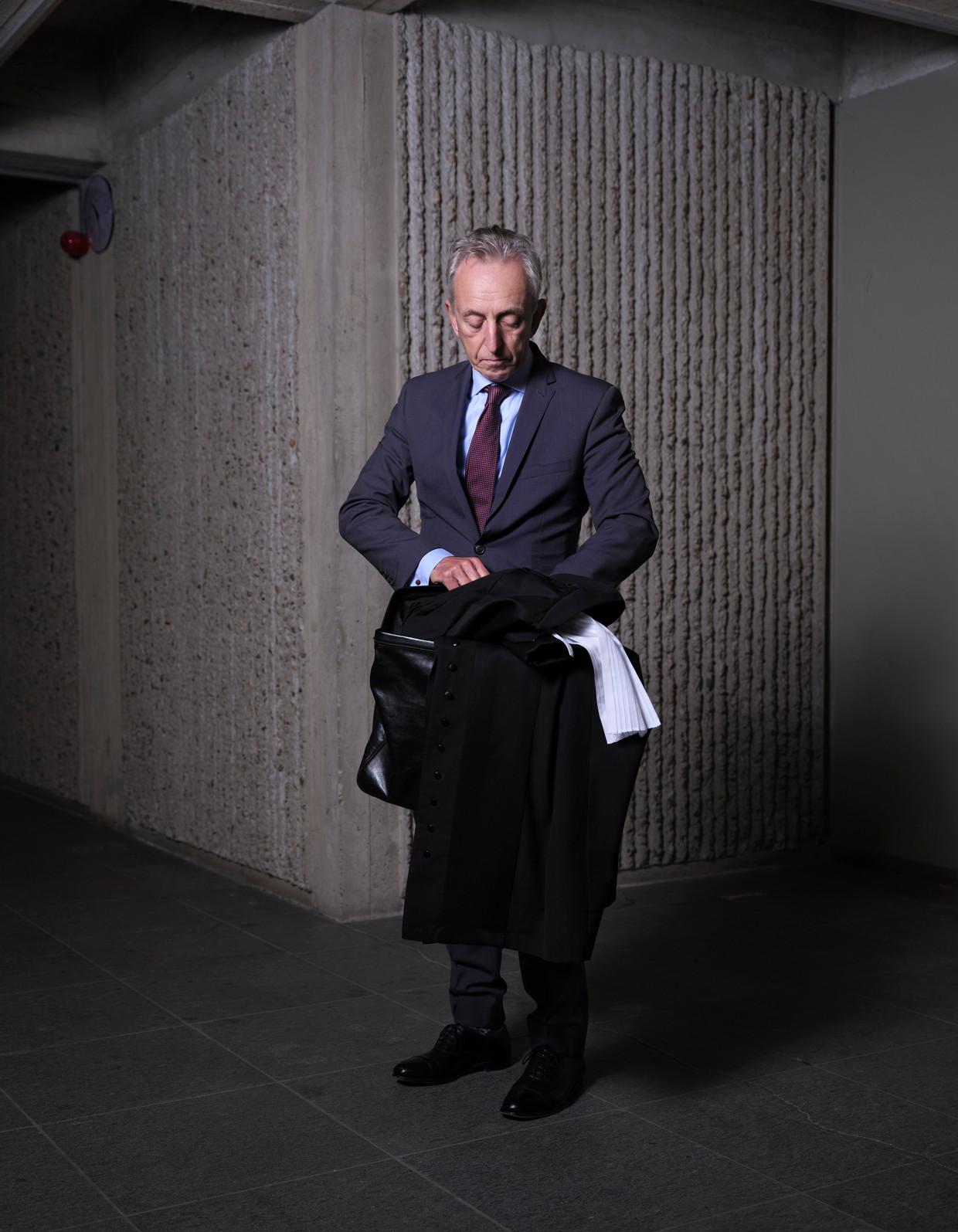 Frank Wieland, hier nog aan het werk in de oude rechtbank op de Parnassusweg. Beeld Erik Smits