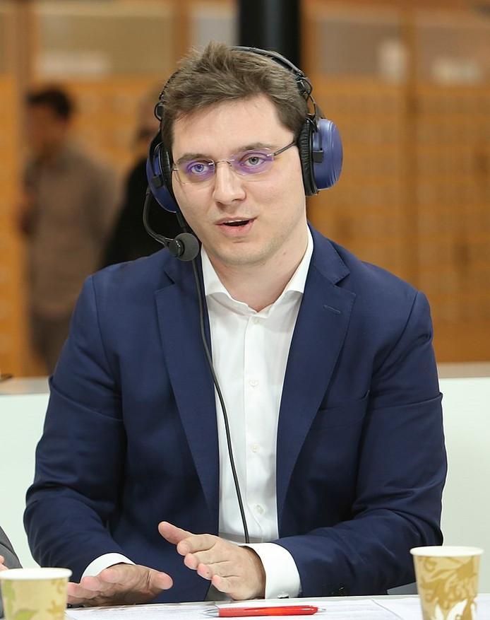 Victor Negrescu.