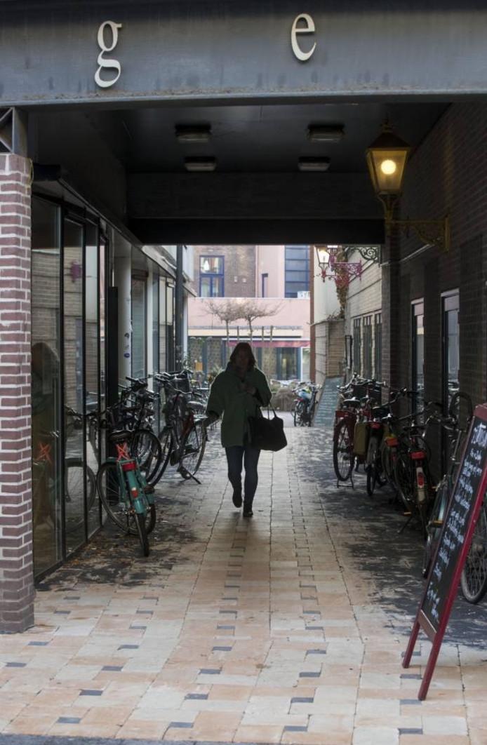 De nieuw betegelde passage naar het Conventplein. Foto: Herman Stöver