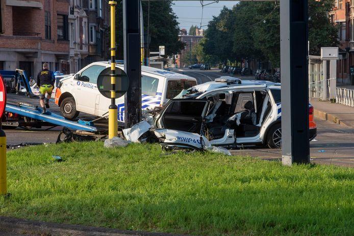 Ongeval met twee politievoertuigen op het kruispunt van de Martelaarslaan en de Groot Brittaniëlaan