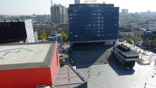 Het Mercure Hotel aan het Spui in Den Haag heeft de reservering van holocaustontkenner David Irving geannuleerd.