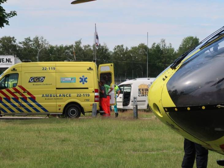 Motorongeluk op Eurocircuit in Valkenswaard, traumahelikopter ter plaatse
