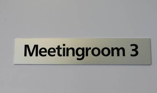Details herinneren aan het voormalig gebruik van Meander als kantoor.