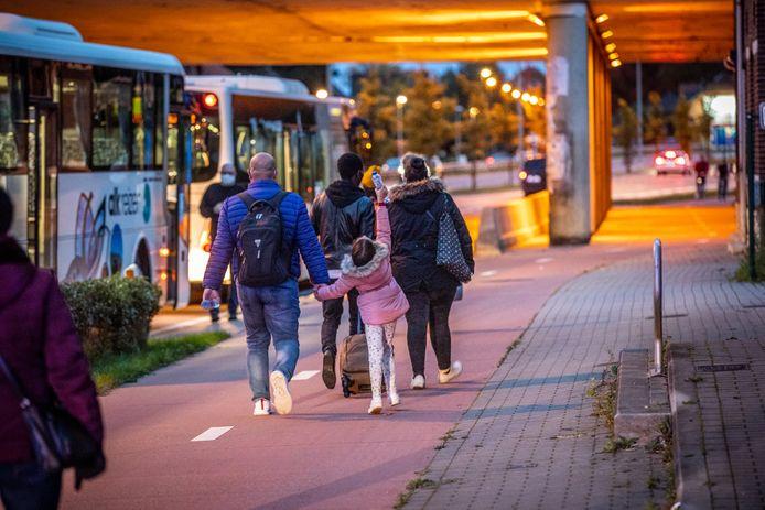 De 150 passagiers konden rekenen op bussen om de reis verder te zetten.