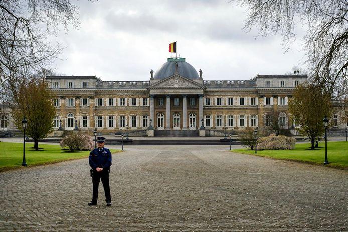 Contrairement au Palais Royal de Bruxelles, le Château de Laeken reste hermétiquement fermé au public.
