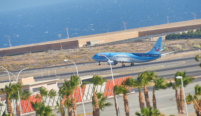 Het vliegveld van Tenerife.  Beeld Belga