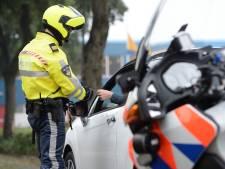 70 boetes uitgedeeld bij illegale 'carmeeting' in Groningen