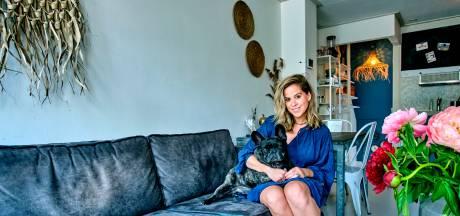 Kimberley woont in een klein wit huisje in de binnenstad: 'Meer heb ik niet nodig'