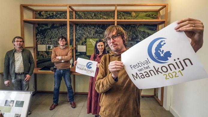 De organisatoren van het Festival van het Maankonijn.