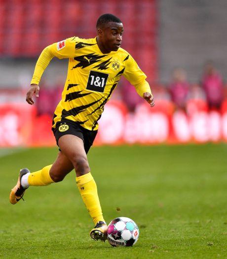 Dortmund-toptalent Moukoko (16) krijgt politie over de vloer na opsluiten ex-vriendin