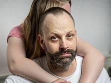 Marcel moet wel vechten tegen misbruik, nadat zijn dochter slachtoffer werd