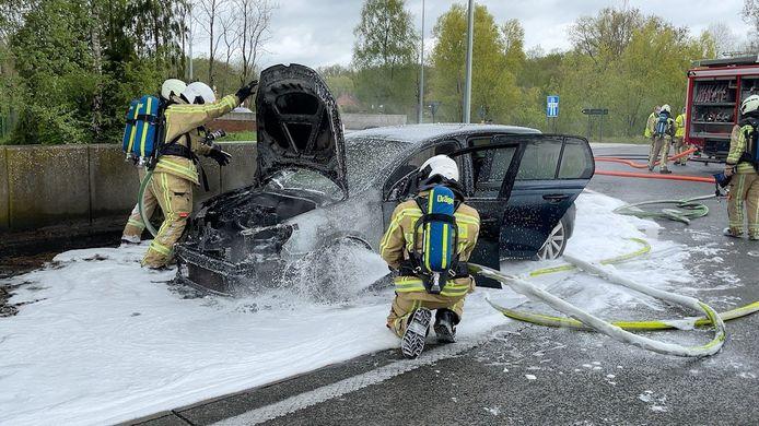 De brandweer kreeg het vuur relatief snel onder controle.