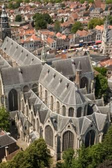 Spectaculair! Hemels uitzicht vanaf dak Sint-Janskerk bij viering 750 jaar stadsrechten