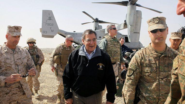 De Amerikaanse minister van Defensie bij aankomst in Afghanistan. Beeld ap
