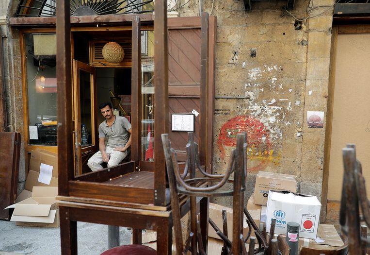 In het Beiroet van na de explosie op 4 augustus ligt het bruisende uitgaansleven nog grotendeels plat.  Beeld HH
