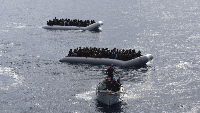 Opération de sauvetage de migrants au large de la Sicile (28 novembre)