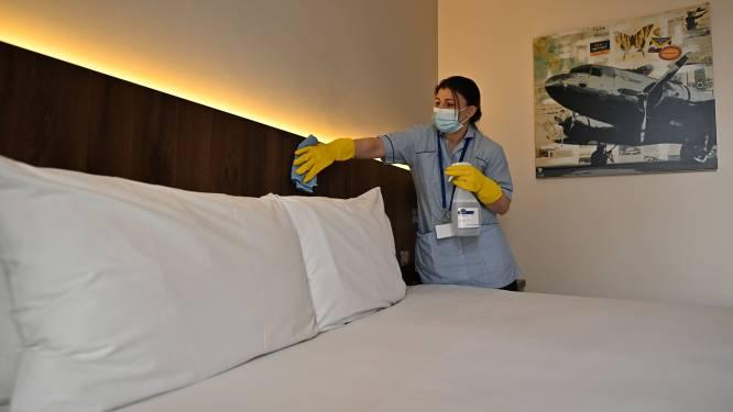 Toeristen moeten niet meer in hotelquarantaine bij aankomst in Ierland