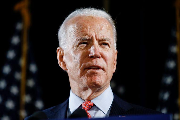 De Democratische presidentskandidaat Joe Biden. Ook van hem circuleert een selectief gemonteerd filmpje waarin hij lijkt te zeggen: 'We kunnen Donald Trump alleen maar herverkiezen.' Dan Scavino, directeur sociale media van het Witte Huis, deelde de video.  Beeld AP