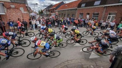"""Vlaanderen koerst opnieuw: recordopkomst voor kleine jeugdwedstrijd """"Ik had nooit verwacht dat het zo'n succes zou worden"""""""
