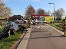 Auto in sloot bij aanrijding in Wolfsesteeg bij Nijkerk