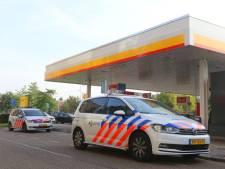 Man met steekwapen op de vlucht na overval op Shell in Den Bosch