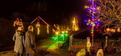 Dit dorpje is het Parijs van Twente... Elke straat is rond kerst verlicht!