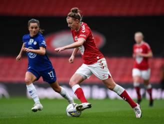 """Red Flame Yana Daniëls degradeert met Bristol City uit Engelse hoogste klasse en houdt opties open: """"Betere voetbalster geworden"""""""