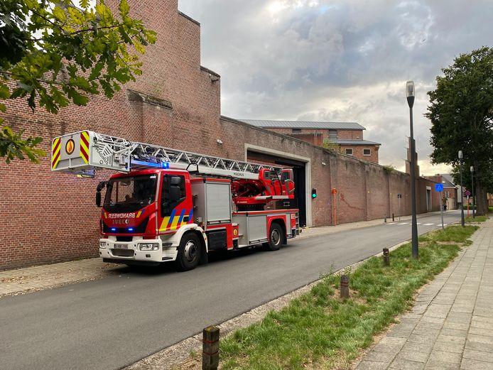 Een brandweerwagen aan de gevangenis in Turnhout
