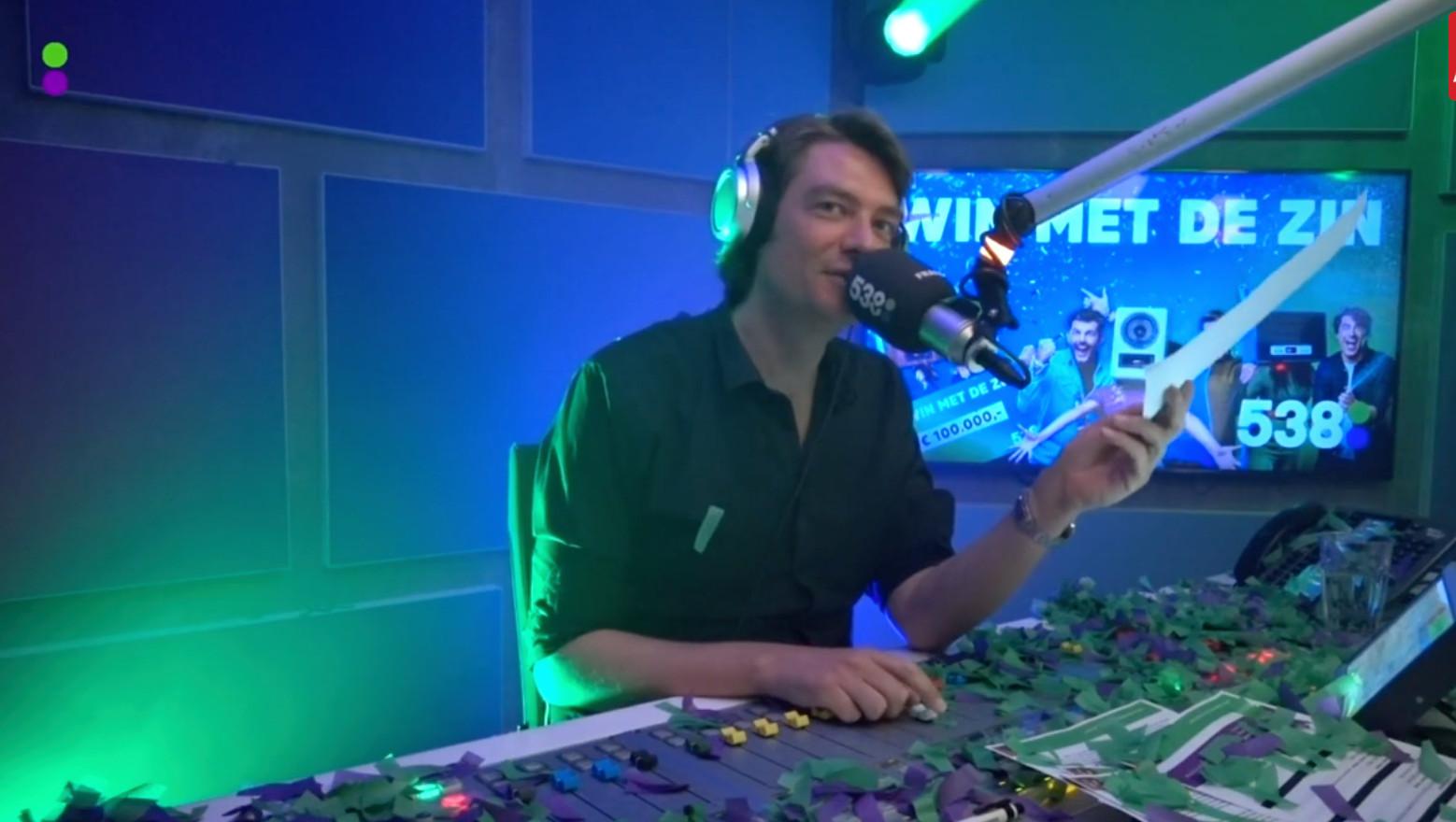 Frank Dane in de uitzending.